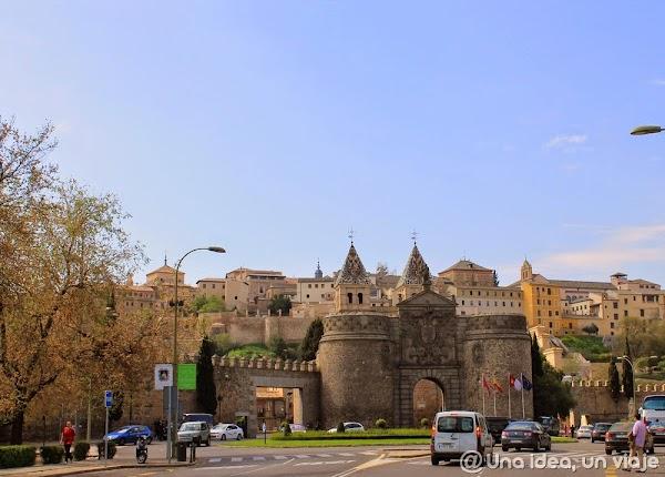 Toledo-Puerta-Bisagra.JPG