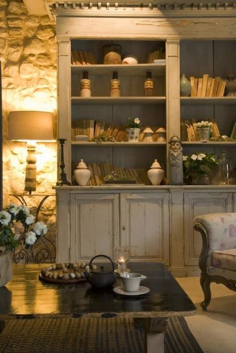 Prachtige-oude-verweerde-boekenkast-vergelijkbare-grote-oude-kasten.1358516423-van-Syl.jpg