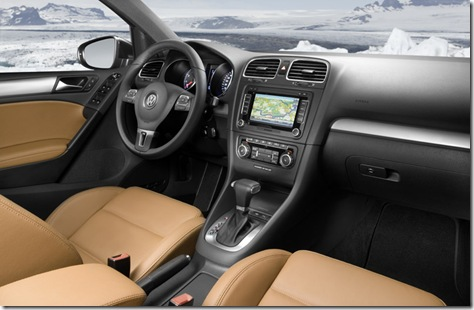 2009-Volkswagen-Golf-4