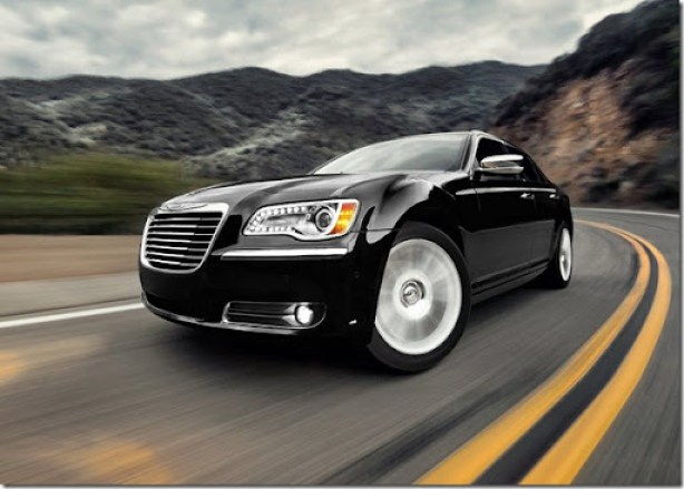 Chrysler-300_2011_1024x768_wallpaper_04