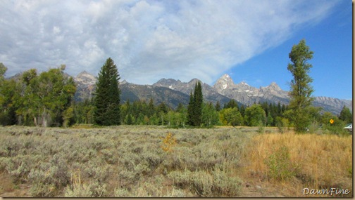 Drive in tetons_20090913_036