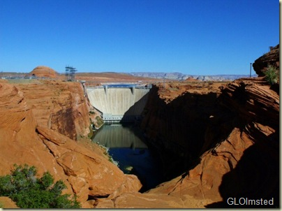 08 Glen Canyon Dam from Dam View Page AZ (800x598)