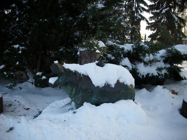 Figura hipopotama we wrocławskim zoo