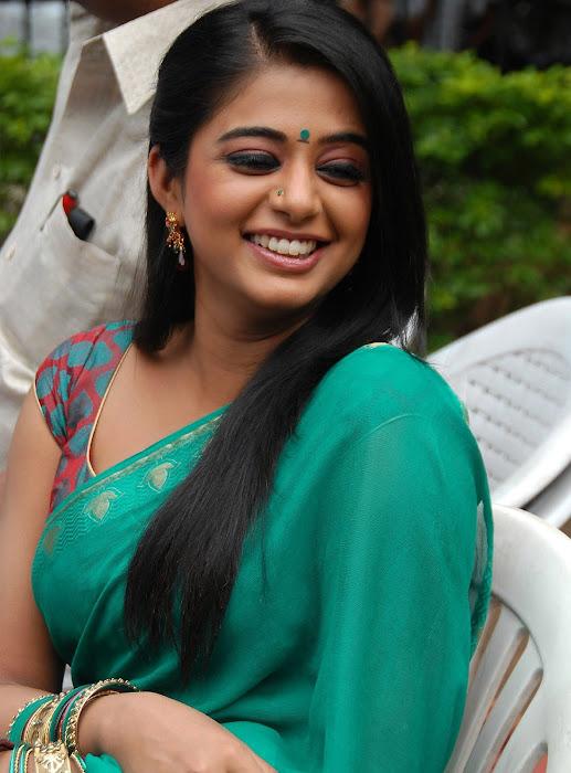 priyamani wearing green saree high quality photo gallery
