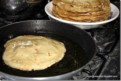 1 Fríe las tortillas