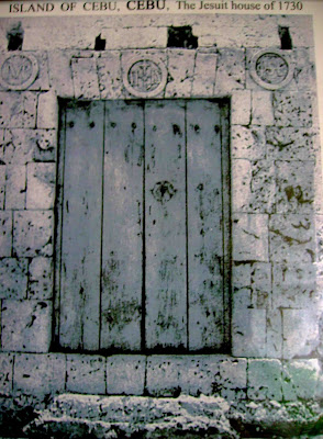 The door located at Calle Binakayan, believed to be the original entrance to the casa