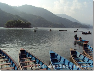 boats_on_phewa_lake