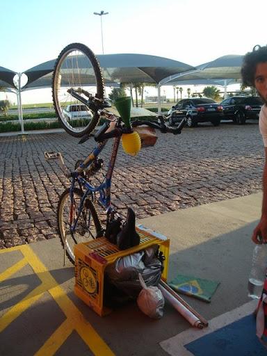 A Bike Caixote descansando no caminho para Piracicaba