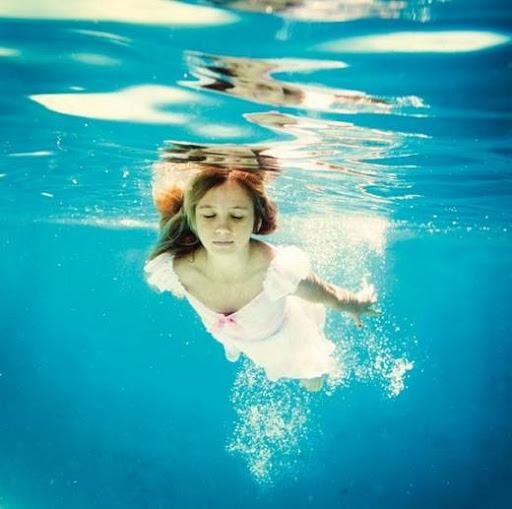 girls_and_water_1.jpg