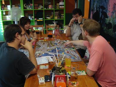 Visión general del circuito y algunos de los participantes.