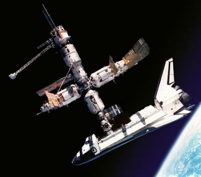 Attracco dello Shuttle alla ISS