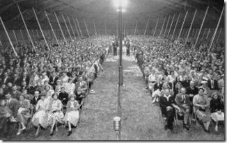 revival-crowd
