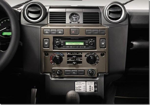 Land_Rover-Defender_X-Tech_2011_800x600_wallpaper_0d