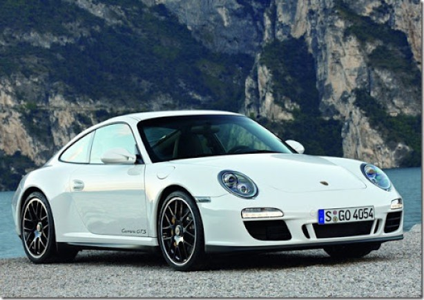 Porsche-911_Carrera_GTS_2011_1600x1200_wallpaper_01