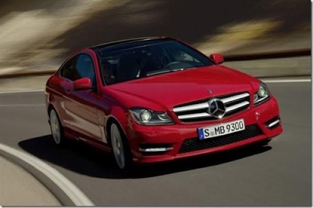 Mercedes-Benz-1021111414512781600x1060