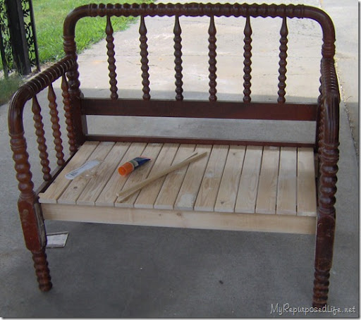 spool bed made into a bench