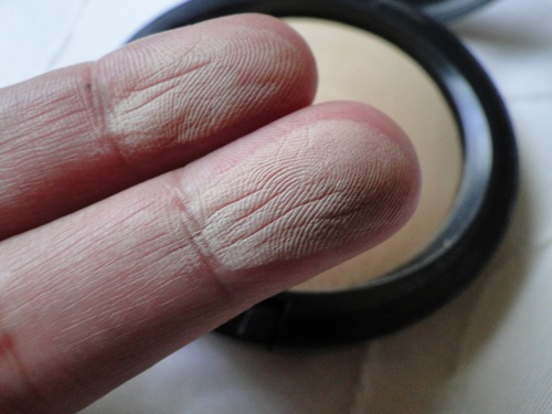 mineralize swatch nos dedos.JPG