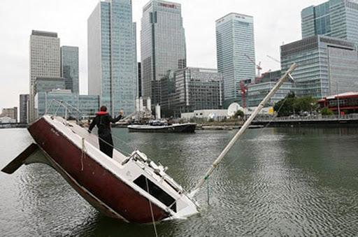 sinking-boat (5)
