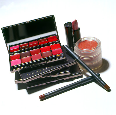 Three Custom Color cosmetics and makeup will be on sale at Hautelook.com for up to 50% off!