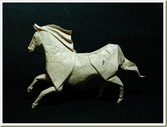 Roman Diaz origami horse