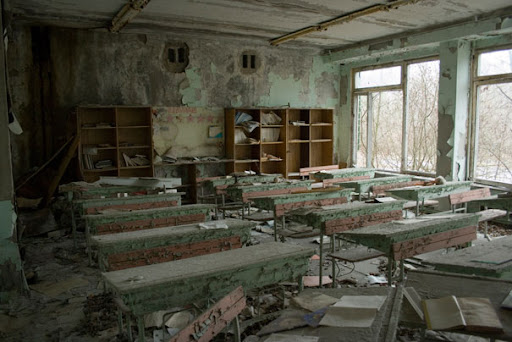 https://i1.wp.com/lh6.ggpht.com/_dlkAw43cLC0/ScynEPrNBkI/AAAAAAAAEFw/wO5yO3zT--0/Chernobyl-Today-A-Creepy-Story-told-in-Pictures-school6.jpg