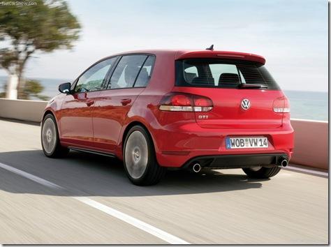 Volkswagen-Golf_GTI_2010_800x600_wallpaper_14