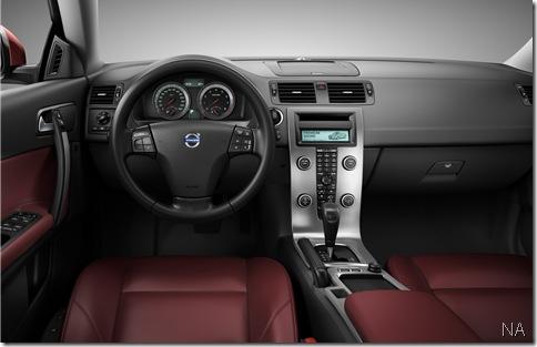 2010-Volvo-C70-2