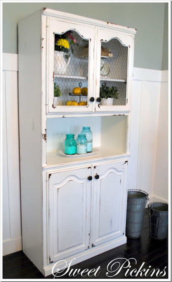 white hutch finished 001
