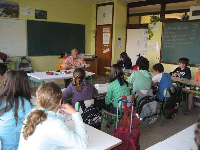 Un poco de música y poesía (CEP ROMO, 6º curso, 2009)