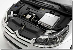 i.citroen.C4.diesel.hybrid.enginebay.05feb