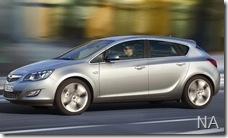 2010-Opel-Astra-3