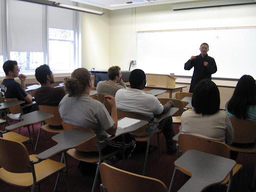 Ven Jian Dan giving a lecture