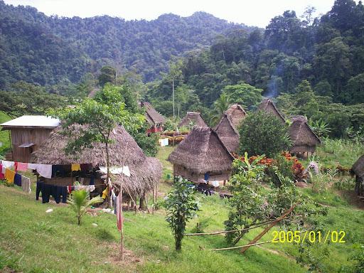 Pueblo Ngobe desplazado