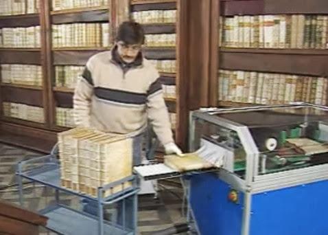 *DEPULVERA: Book Cleaning Machine不僅能幫助書本的保存,更能照顧讀者的健康! 4