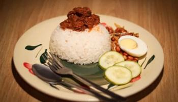 nasi lemak lauk kerang