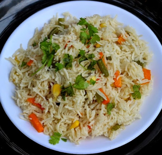 Microwave vegetable pulao recipe quick vegetarian pilaf follow the recipe for microwave vegetable pulao to make a quick aromatic one pot meal forumfinder Images