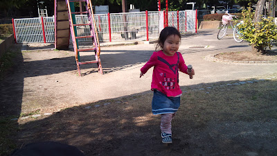 次女、公園にて♪