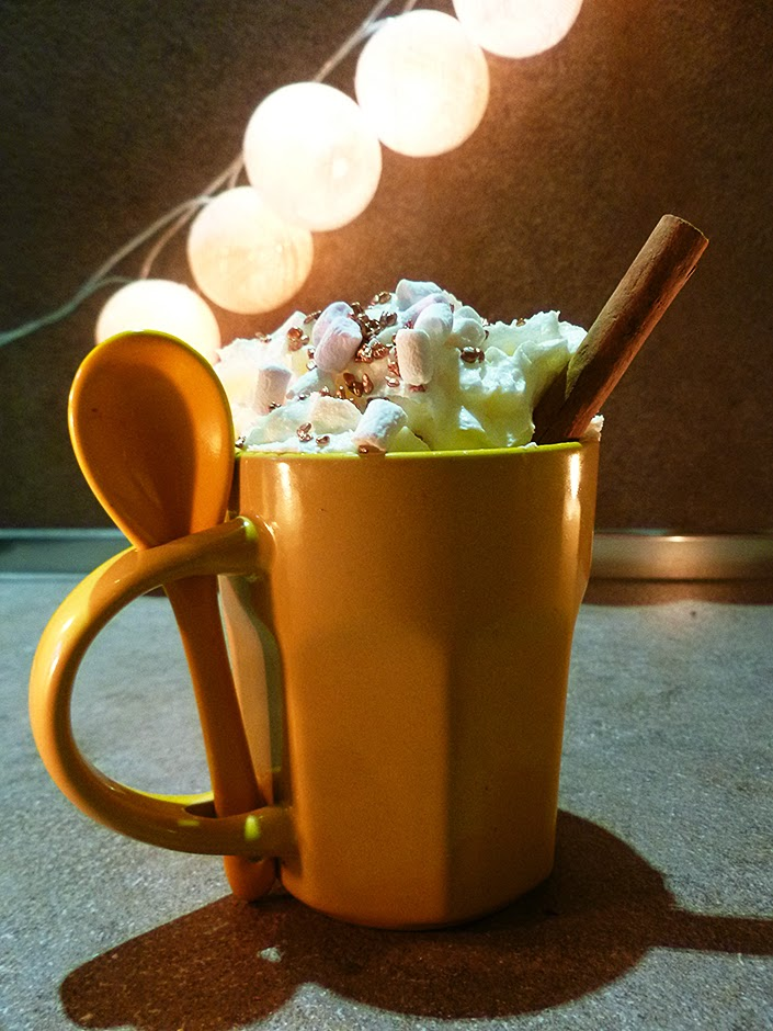 real hot chocolate recipe, how to improve a hot chocolate, chocolate with orange, chocolate with peppermint, chocolate with cinnamon