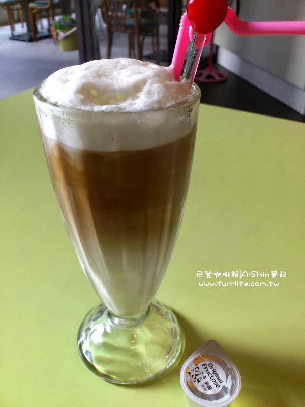 巴登咖啡 大墩店 卡布奇諾 100元/杯