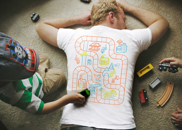 *增進親子關係:Car Play Mat T Shirt 讓你就算累趴也能和小孩玩在一起! 1