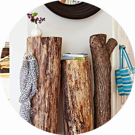 Recibidor con troncos.