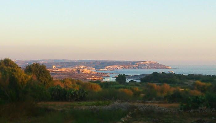 Vue sur Comino et Malte.