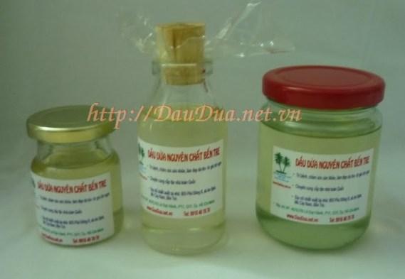 Ngày nay tinh dầu dừa được dùng rộng rãi như một dược phẩm không thể thiếu trong mõi gia đình