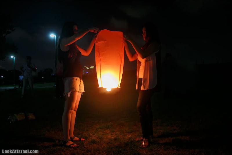 Летающие фонарики над Тель Авивом