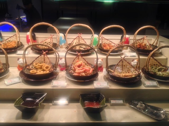 Baskets of seafood at the teppanyaki section