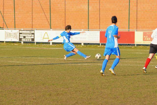 Els Hoorne schiet op doel