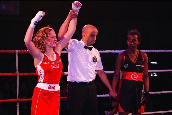 Florence De Coster wint van Aisha Kebe