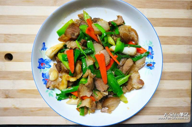 蒜苗炒鹹豬肉-5