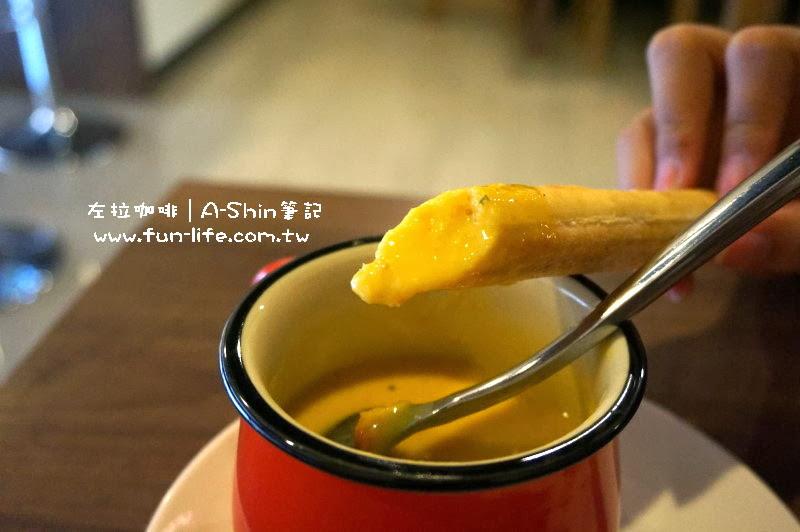 南瓜濃湯的味道很厚實-左拉咖啡館Zola-cAFE