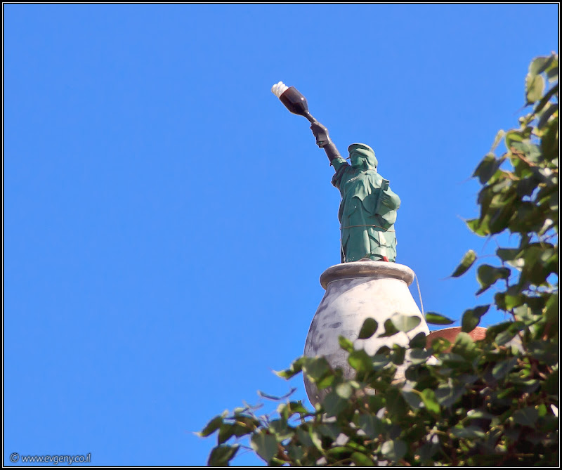 Познавательная страничка или статуя свободы в Тель Авиве